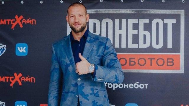 Жаркий Новый год ждет боксера Ростислава Плечко