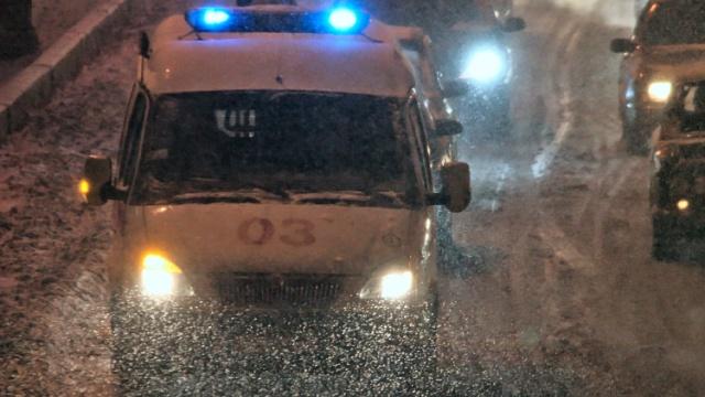 В центре Москвы при падении наледи пострадал мужчина