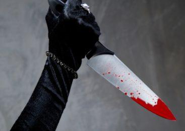 Выпевшая жительница Электростали зарезала мужа в подъезде жилого дома